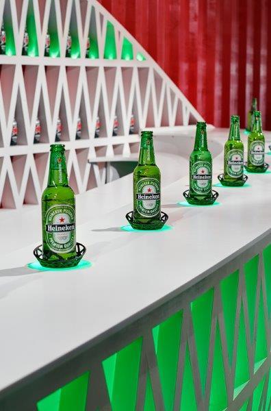 Heineken_bottles-on-bar_final