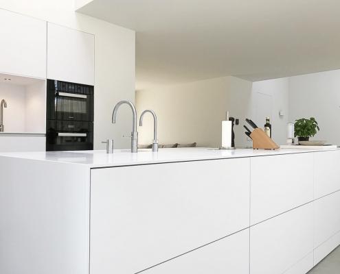 Frisse Corian Keuken met verlijmde wangen - Eilandblad 2