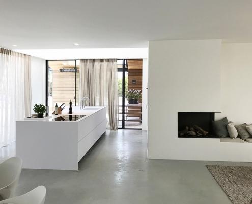 Frisse Corian Keuken met verlijmde wangen - Eilandblad