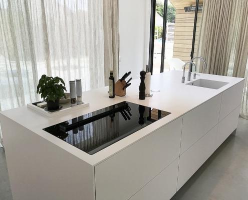 Frisse Corian Keuken met verlijmde wangen - Verlijmde zijwangen