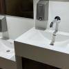 Project wereldhave toiletruimtes - HI-MACS maatwerk wastafels kinderen 4 - Solid Surface wasbak Incollato Wave